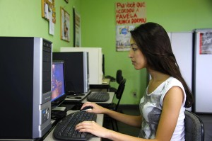 Thaís Cavalcante foi reconhecida pelo STJ como jornalista, a partir de suas experiências no jornal comunitário.