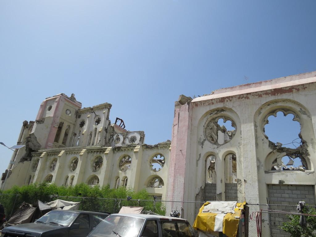 Ruínas da Catedral de Notre Dame, atingida pelo terremoto de 2010. Porto Príncipe, Haiti. Foto: Miriane Peregrino